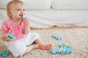 Prečo pravidelne čistiť a tepovať koberce a čalúnený nábytek