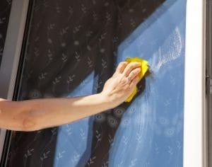 Kdo umyje okna v Praze