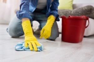 na jakou firmu se obrátit v případě nutnosti vyčistit podlahy