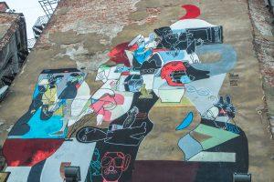 odstranění graffiti z pilíře mostu