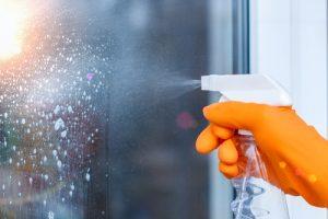 kvalitní mytí a leštění oken