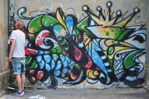 jak bezpečně odstranit graffiti