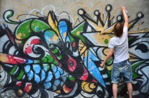 čím nenávratně odstranit graffiti v Praze