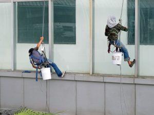 jak odstranit polepy z oken
