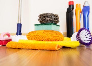 lité stěrky čištění