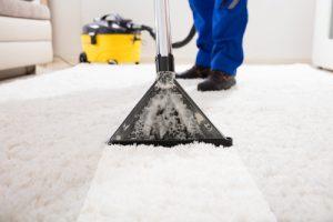 velmi znečištěný koberec